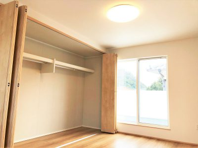 居室は全て2面採光なので、明るいです★各部屋収納付き!(寝室)