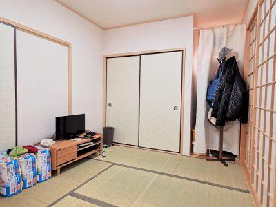 ホールからも、LDKからも出入りの出来る2WAYタイプの和室です。(内装)