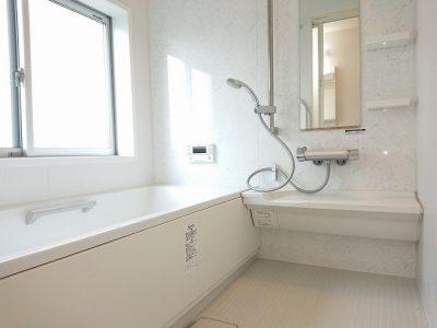 1坪タイプのゆったりバスルームです。(風呂)