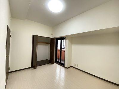 収納付き洋室(寝室)